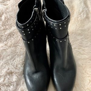 Vince Camuto booties size 8.